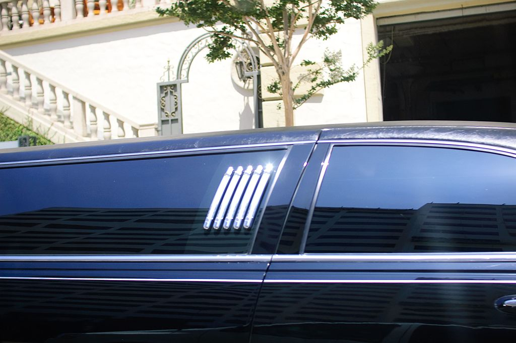 Limousines in Minneapolis and St. Paul Area Renee's Limousine, Minneapolis Minnesota