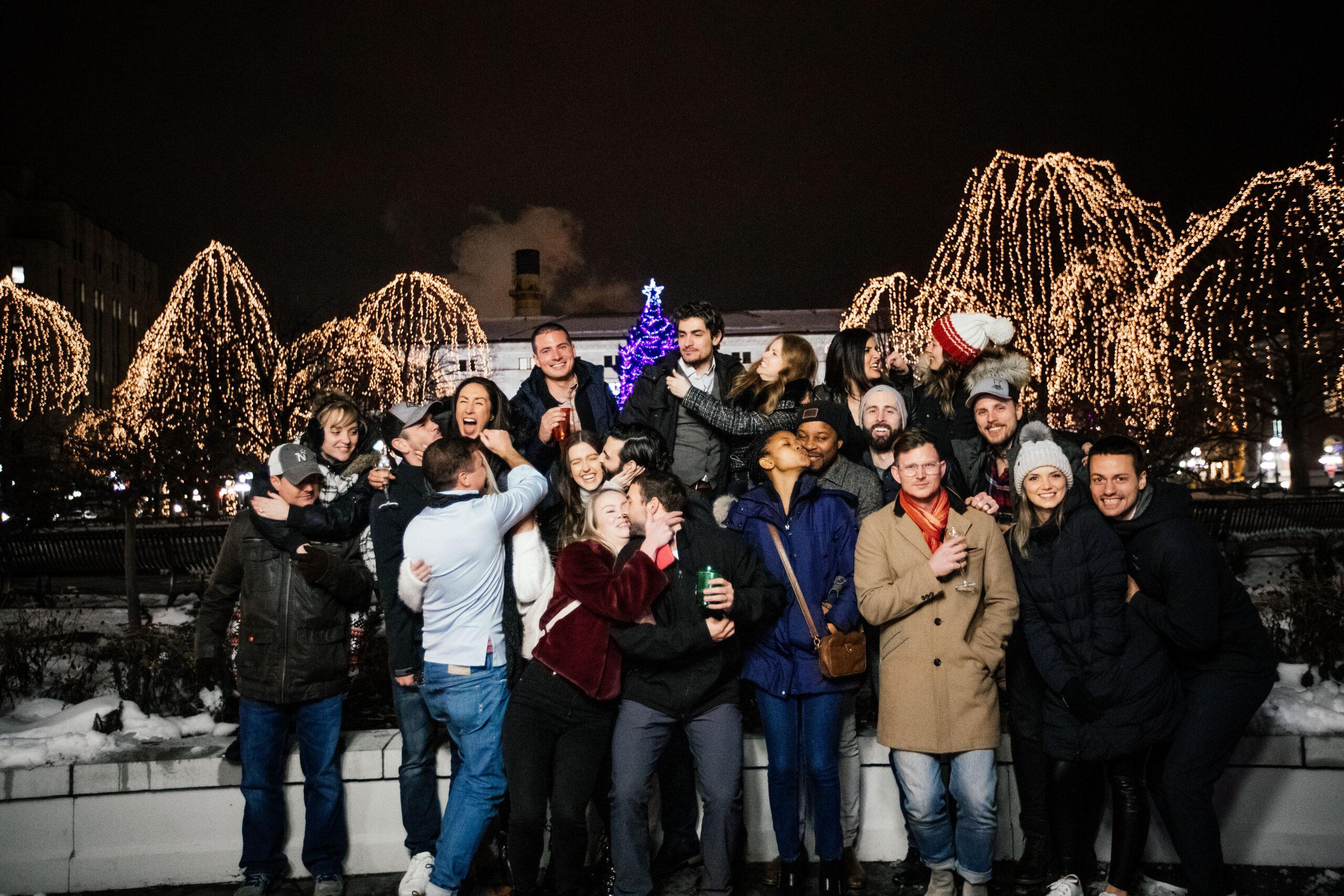 Minneapolis Christmas Lights 2020 Holiday Light Tours in Minneapolis & St. Paul | Renee's Limousines